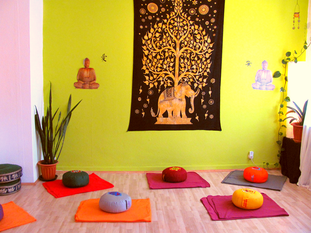 yoga raum yotama